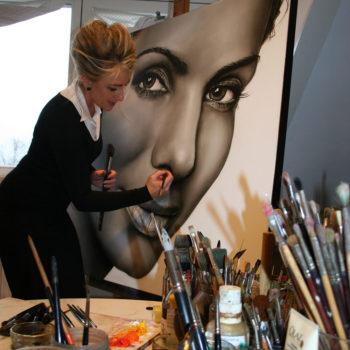 Olieverfportret van Sandra Bullock in de maak door Saskia Vugts