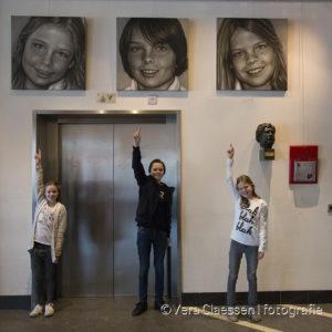 Olieverfportretten tijdens expositie Theater aan de Parade