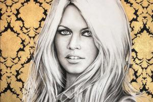 Portret Brigitte Bardot op gouden brokaatstof geschilderd website