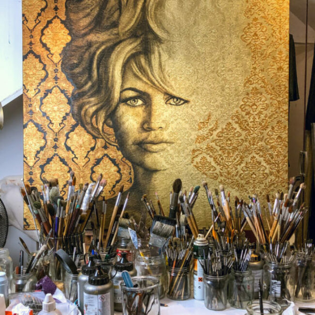 Brigitte Bardot in olieverf op brokaatstof geschilderd